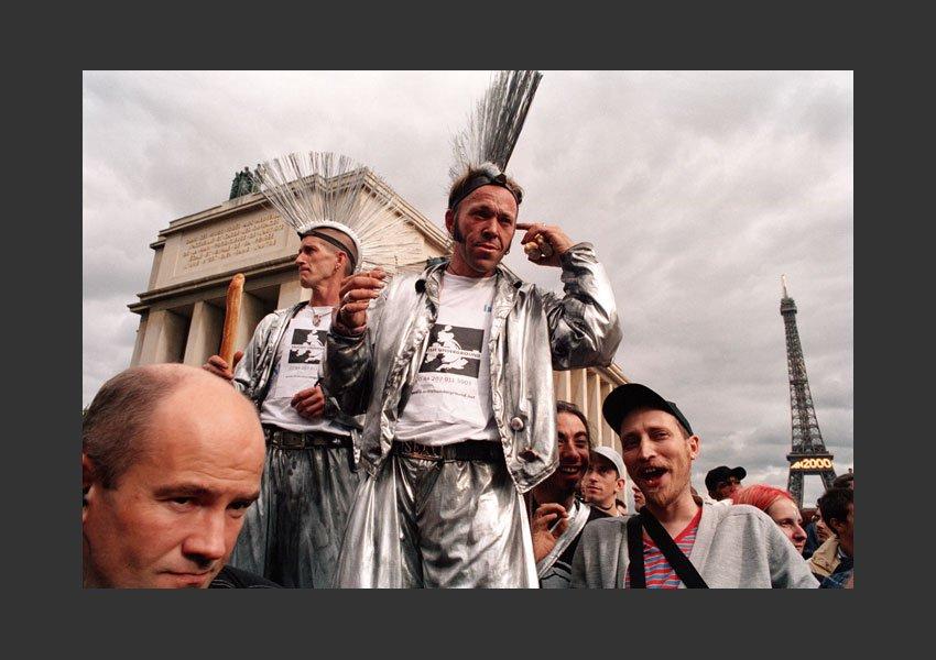 Technoparade, Tour Eiffel Porte de la Muette, Paris le 16 septembre 2000.