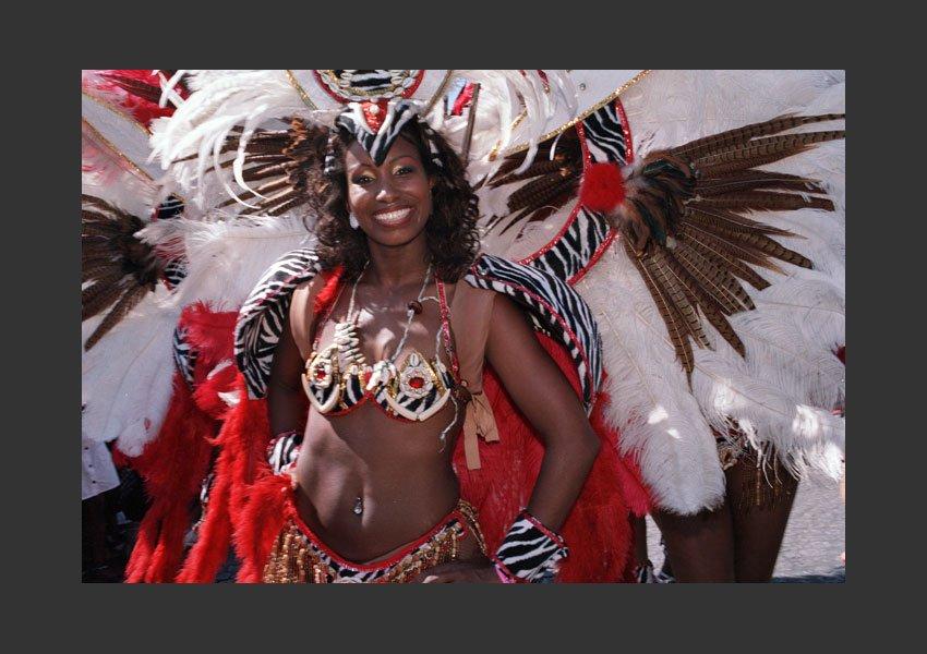 Carnaval Tropical de Paris, Champs Élysée le dimanche 3 juillet 2011 .
