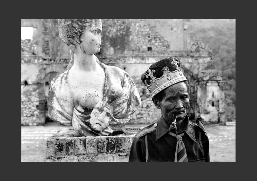 'Masque solitude'. Léon Dorjus IV se disait descendant du Roi Henri Christophe. Palais sans Souci Milot, Haïti.
