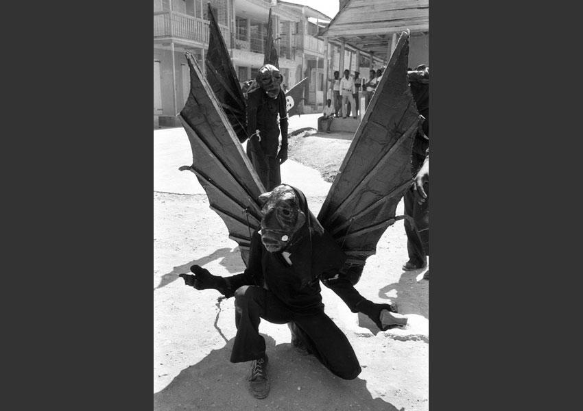 'Diâble las'. Carnaval de Jacmel Haïti 1982.