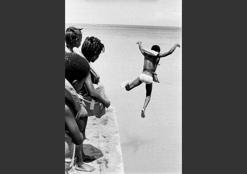 Cours de natation, Saint Louis, Marie-Galante mars 1987.