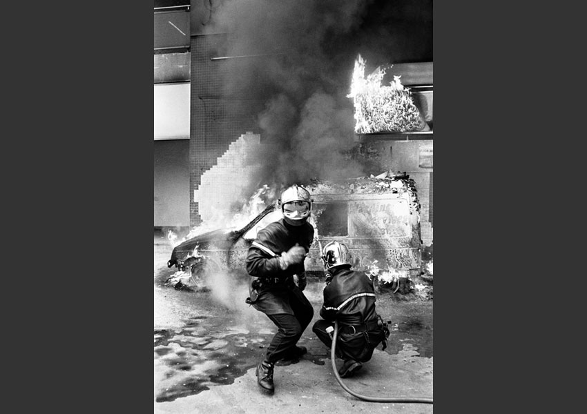 20 - Intervention des pompiers dans le 13ème arrondissement, Paris août 1992.