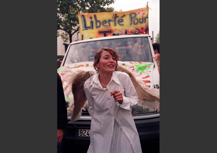 Marche pour la liberté de la techno, bien avant la LSQ/loi Mariani. De Stalingrad à la porte de Pantin, Paris septembre 1996.