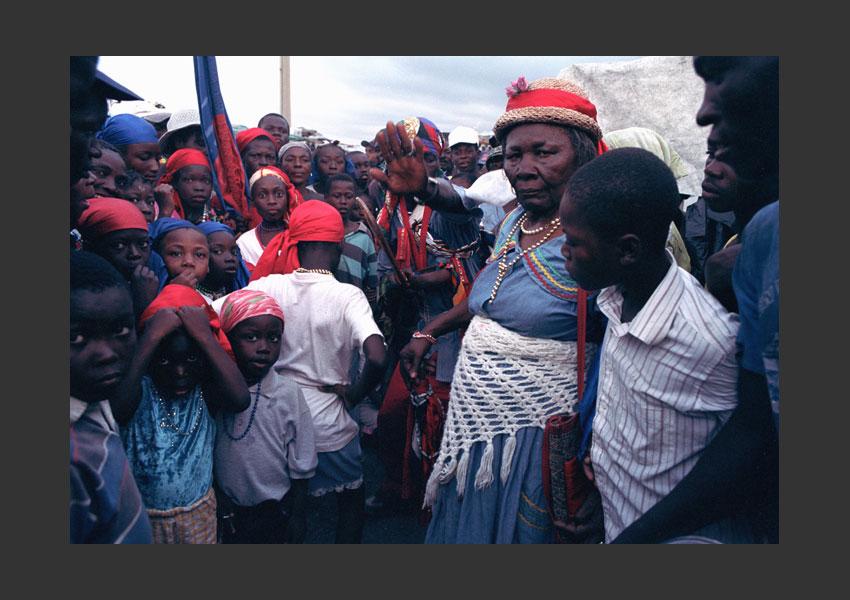 Carnaval malgré l'insurrection contre Aristide, Jérémie, Haïti février 2004.