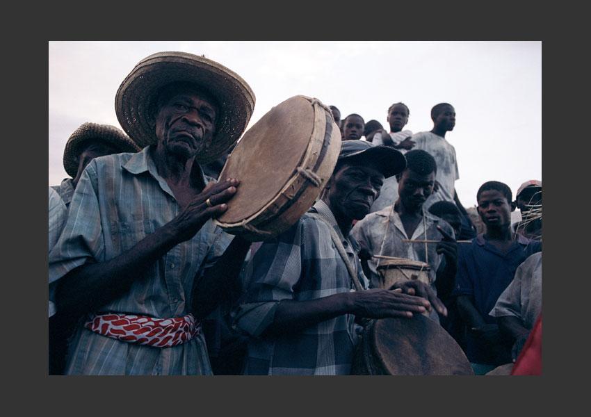 """""""Tambours"""", Carnaval de Jérémie. Haïti février 2004."""