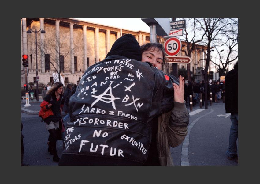 Opération Exposition Coloniale au pays des droits de l'homme. De Daumesnil à la Cité de l'Immigation, Porte Dorée, Paris le 1er décembre 2007.