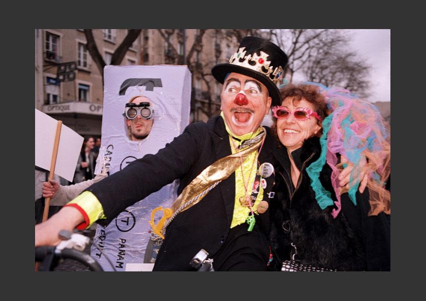 Carnaval de Paris, issu de « la Promenade du Bœuf Gras ». De Gambetta à la place de l'Hôtel de Ville, Paris le 22 février 2009.