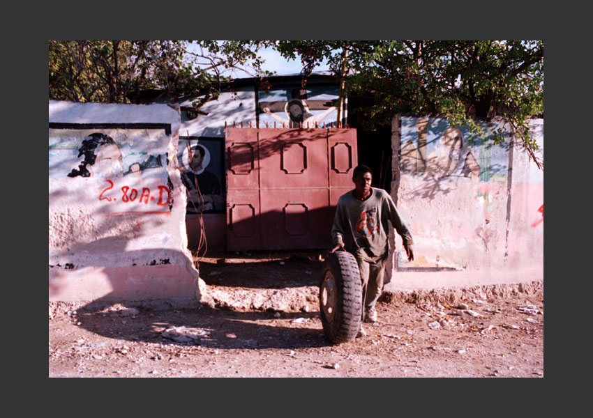 Route de Saut d'eau, Haïti 2009.