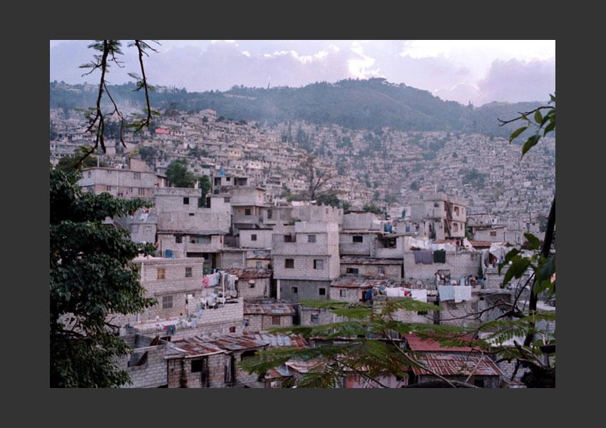 Bidonville de la Ravine à Pétionville, Haïti décembre 2009.