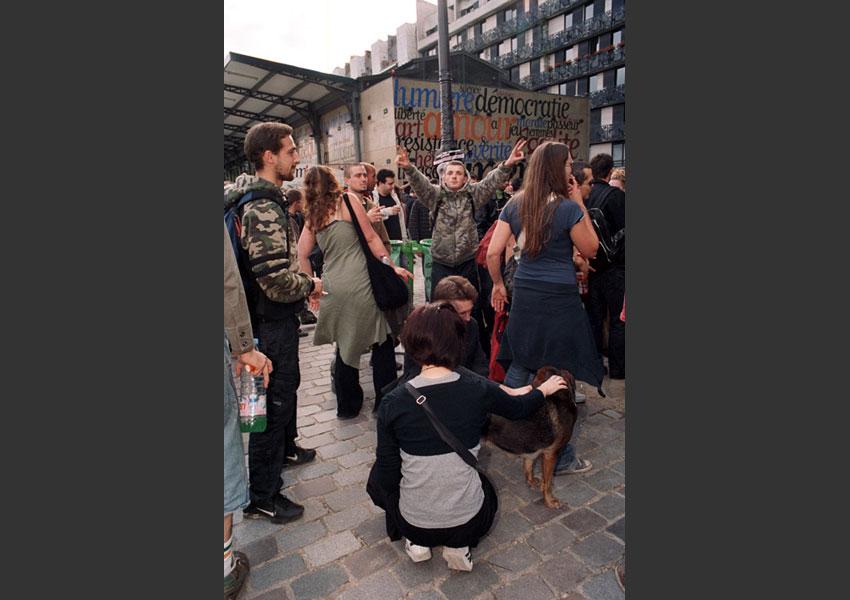 Free parade de Paris, journée d'action festive européenne. De République à Nation le 20 juin 2009 et de République à Stalingrad, le 19 juin 2010.